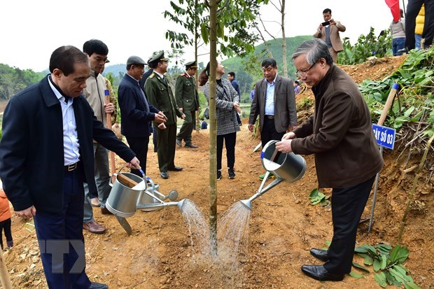 Thường trực Ban Bí thư dự Lễ phát động Tết trồng cây tại Tuyên Quang - 1