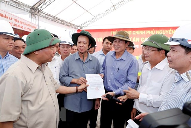 Thủ tướng thị sát, đốc thúc dự án cao tốc Trung Lương-Mỹ Thuận - 1