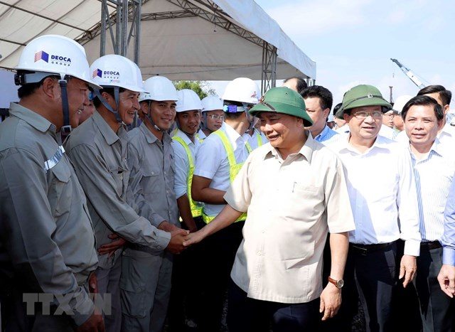Thủ tướng thị sát, đốc thúc dự án cao tốc Trung Lương-Mỹ Thuận