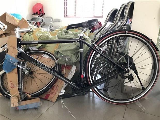 Bắt giữ số lượng lớn xe đạp thể thao cũ nhập lậu qua biên giới