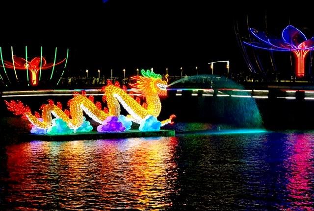 Đêm Hoa đăng Ninh Kiều lung linh sắc màu - 4