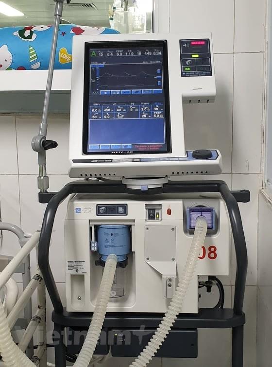 Máy thở cần thiết trong điều trị bệnh COVID-19 thế nào?