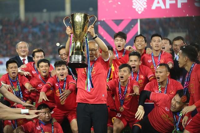 Bóng đá Việt Nam sau AFF Cup 2018: Thống trị Đông Nam Á, tấn công châu lục