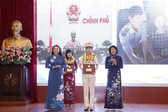 Tôn vinh tài năng, trí tuệ phụ nữ Việt Nam - 8