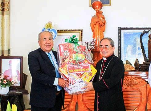 Lãnh đạo tỉnh Khánh Hòa thăm, chúc Tết các cơ sở tôn giáo