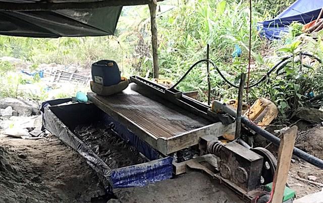 Quảng Nam: Phát hiện 7 đối tượng khai thác vàng trái phép