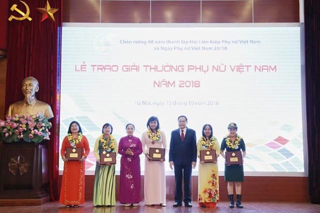 Tôn vinh tài năng, trí tuệ phụ nữ Việt Nam - 7