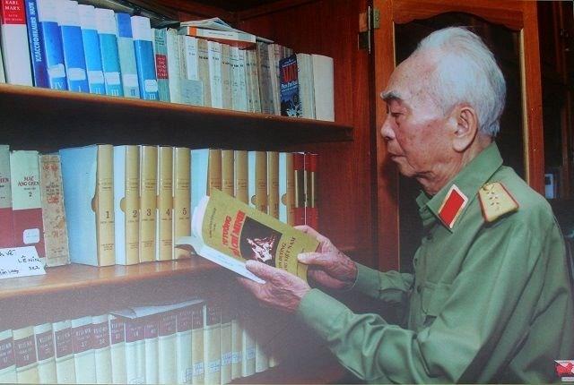 Những khoảnh khắc về Đại tướng Võ Nguyên Giáp