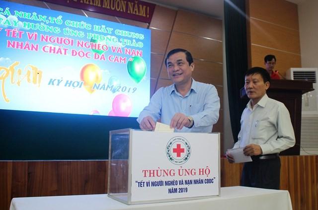 Phát động và trao quà 'Tết vì người nghèo và nạn nhân chất độc da cam' tại Quảng Nam - 3