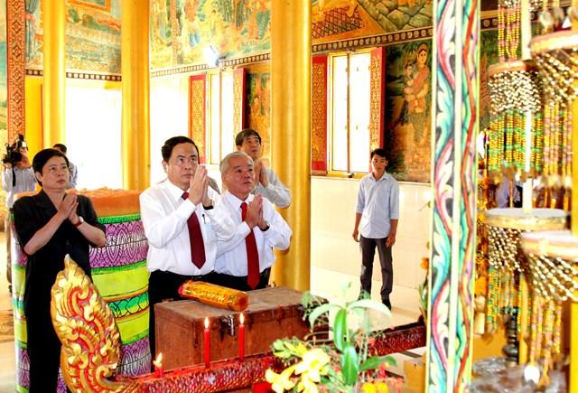 Lựa chọn những cá nhân người Khmer tiêu biểu tham gia Mặt trận các cấp - 8
