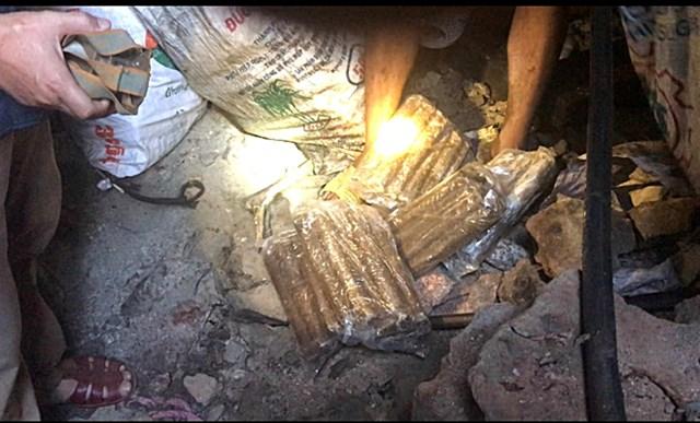 Quảng Nam: Phát hiện 7 đối tượng khai thác vàng trái phép - 1