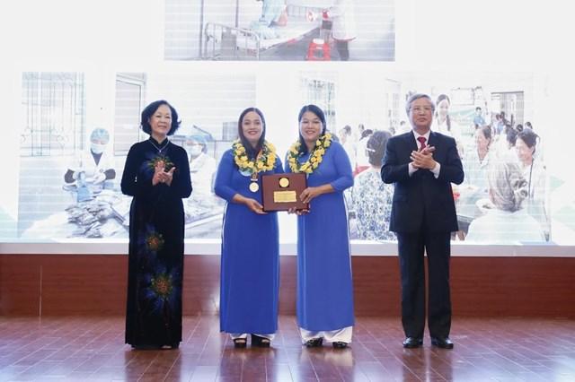 Tôn vinh tài năng, trí tuệ phụ nữ Việt Nam - 4