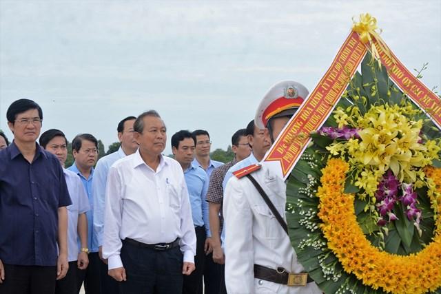 Phó Thủ tướng Trương Hòa Bình tri ân anh hùng liệt sỹ tại Quảng Nam