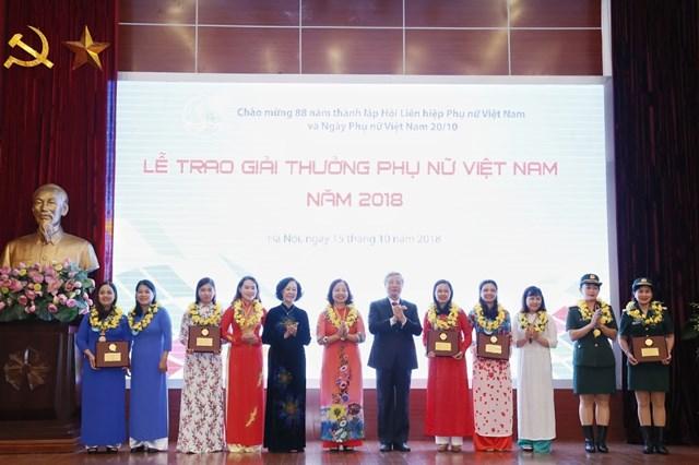 Tôn vinh tài năng, trí tuệ phụ nữ Việt Nam - 5