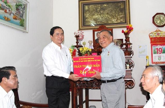 Chủ tịch Trần Thanh Mẫn trao 9 căn nhà đại đoàn kết cho Cà Mau - 3