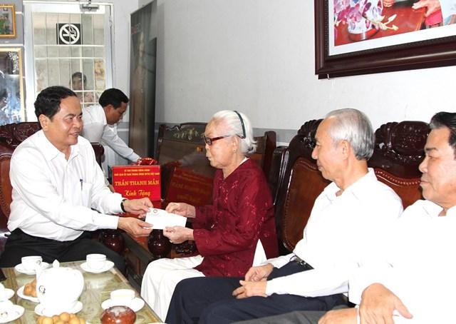 Chủ tịch Trần Thanh Mẫn trao 9 căn nhà đại đoàn kết cho Cà Mau - 2