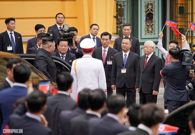 [ẢNH] Tổng Bí thư, Chủ tịch nước Nguyễn Phú Trọng đón, hội đàm với Chủ tịch Kim Jong-un