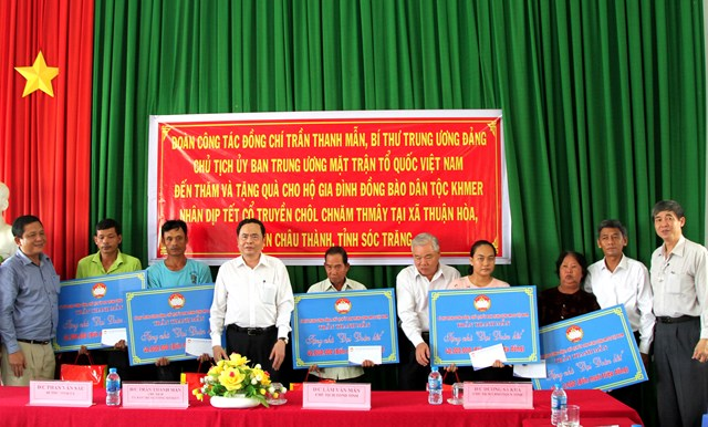 Lựa chọn những cá nhân người Khmer tiêu biểu tham gia Mặt trận các cấp - 10