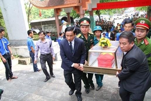 An táng 19 liệt sỹ hy sinh tại Lào