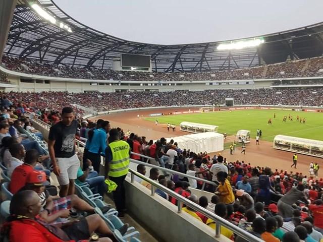 Giẫm đạp sau trận đấu bóng đá ở Angola, ít nhất 5 người tử vong