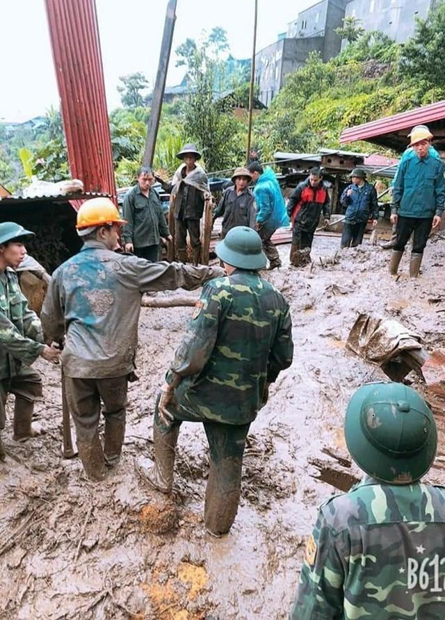 Lai Châu: Sạt lở đất, 15 người thương vong