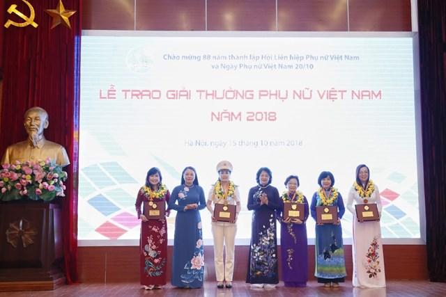 Tôn vinh tài năng, trí tuệ phụ nữ Việt Nam - 9