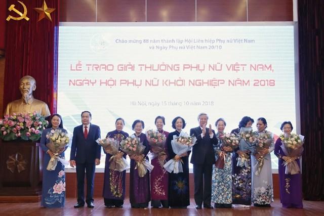 Tôn vinh tài năng, trí tuệ phụ nữ Việt Nam - 3