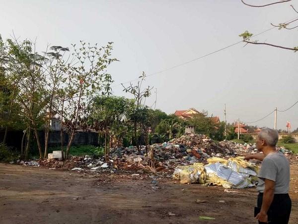 40 hộ dân sống trong cảnh ô nhiễm