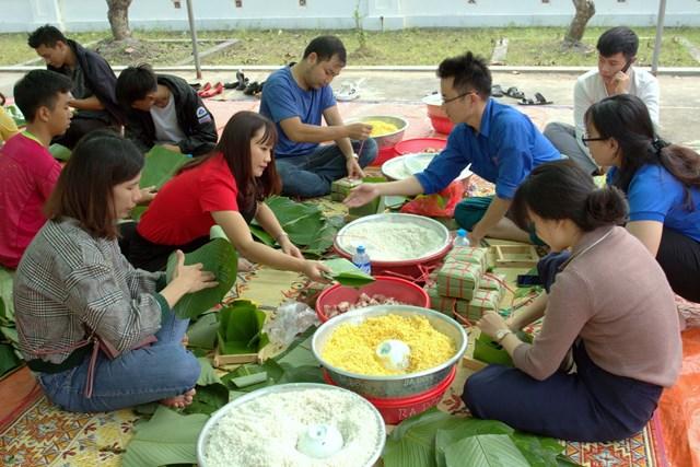 Lễ hội bánh chưng vì người nghèo ở Ba Đồn