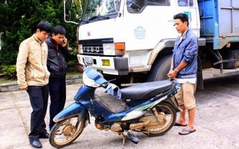 Bắt tài xế bỏ trốn sau khi đâm 2 người tử vong