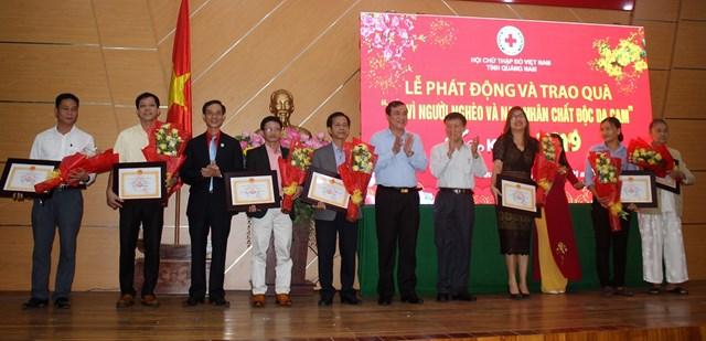 Phát động và trao quà 'Tết vì người nghèo và nạn nhân chất độc da cam' tại Quảng Nam