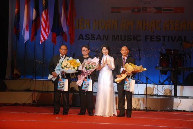 Liên hoan âm nhạc ASEAN: Thúc đẩy quan hệ hữu nghị giữa Việt Nam và các quốc gia trong khu vực - 7