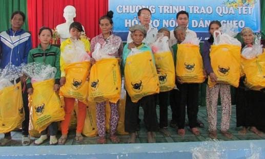 Cà Mau: MTTQ tỉnh trao 720 suất quà Tết cho hộ nghèo