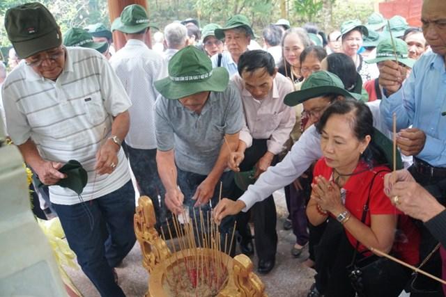 Quảng Nam: Hơn 400 cựu chiến binh về thăm Căn cứ Khu ủy Khu 5 - 1