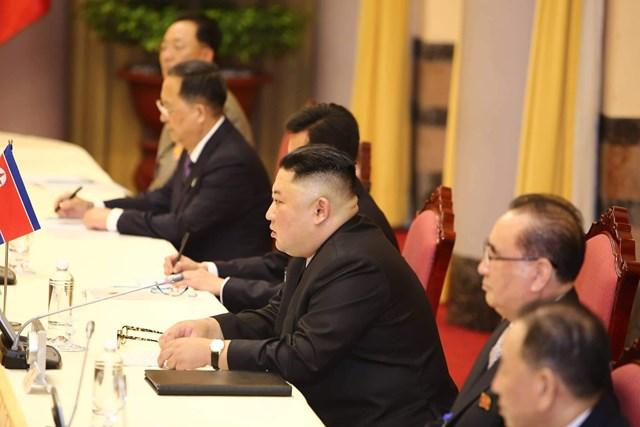 [ẢNH] Tổng Bí thư, Chủ tịch nước Nguyễn Phú Trọng đón, hội đàm với Chủ tịch Kim Jong-un - 9