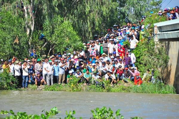 Chính thức xả đập kiểm soát lũ sông Cửu Long và vùng Tứ Giác Long Xuyên - 1