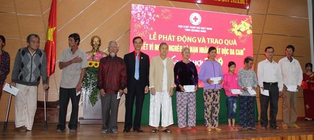 Phát động và trao quà 'Tết vì người nghèo và nạn nhân chất độc da cam' tại Quảng Nam - 4