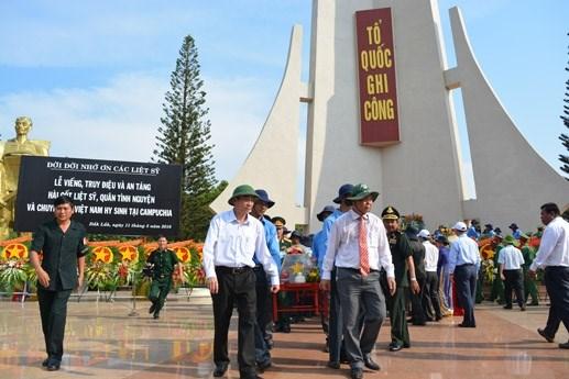 Đăk Lăk: An táng 15 hài cốt liệt sĩ hy sinh ở Campuchia - 2