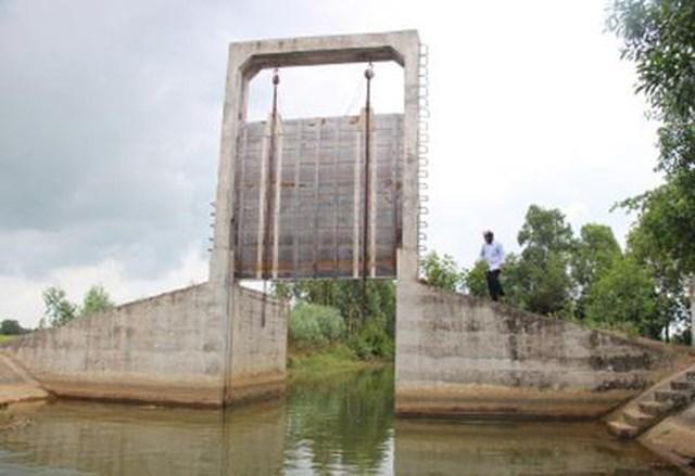 Đồng bằng sông Cửu Long: Đối diện khô hạn, ngập mặn - 1