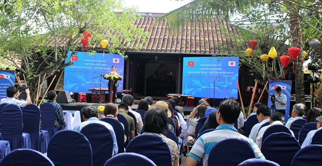Giao lưu trưng bày sản phẩm tơ lụa - thổ cẩm truyền thống 2018 - 1