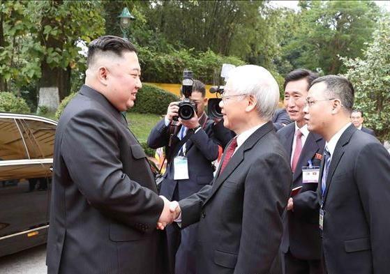 [ẢNH] Tổng Bí thư, Chủ tịch nước Nguyễn Phú Trọng đón, hội đàm với Chủ tịch Kim Jong-un - 1