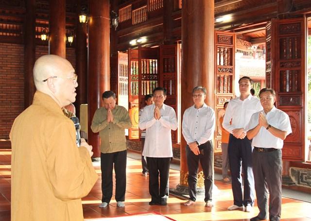 Chủ tịch UBTƯ Mặt trận Lào xây dựng đất nước tham quan các mô hình kinh tế - 4