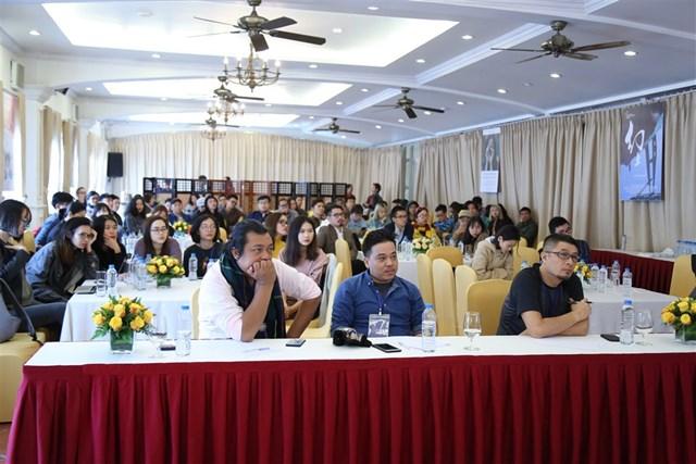 Showbiz Việt 'Gặp gỡ mùa thu', khám phá xứ sở Cầu Vàng - 6