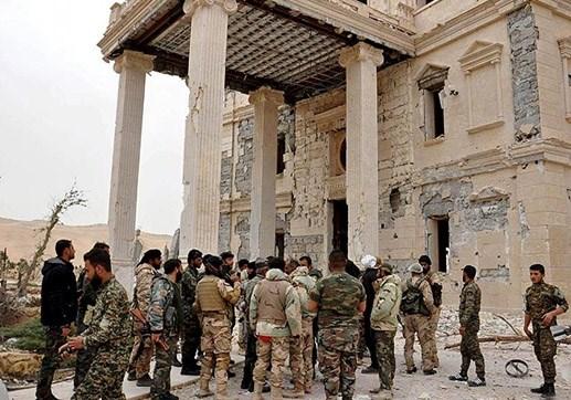 Giao tranh giành Palmyra: Cờ IS bị gỡ khỏi thành cổ