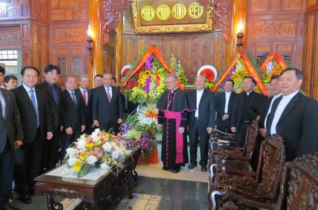 Phó Thủ tướng Thường trực Trương Hòa Bình thăm Tòa Tổng Giám mục Huế - 2