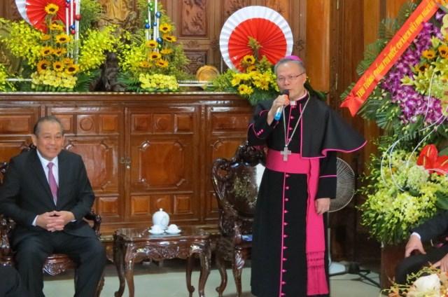Phó Thủ tướng Thường trực Trương Hòa Bình thăm Tòa Tổng Giám mục Huế - 1