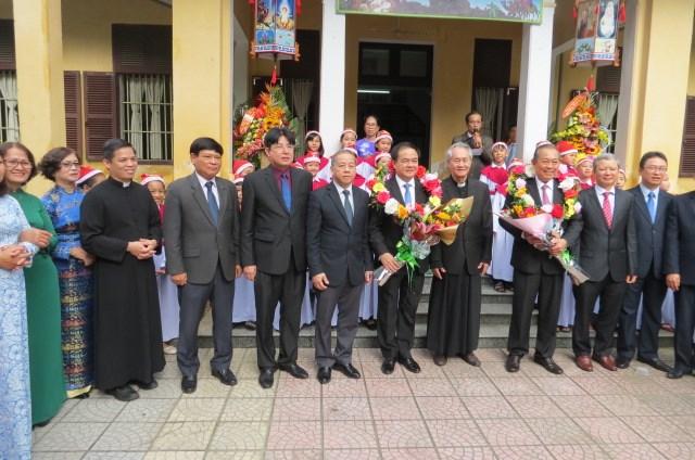Phó Thủ tướng Thường trực Trương Hòa Bình thăm Tòa Tổng Giám mục Huế - 4