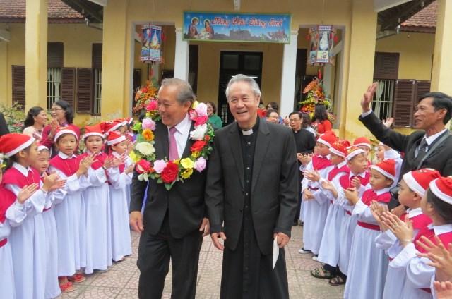 Phó Thủ tướng Thường trực Trương Hòa Bình thăm Tòa Tổng Giám mục Huế - 3