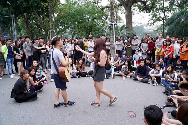 Khắc phục những bất cập tại không gian phố đi bộ hồ Hoàn Kiếm