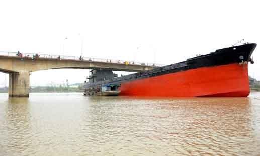 Nhiều phương tiện đường thủy không được đăng kiểm